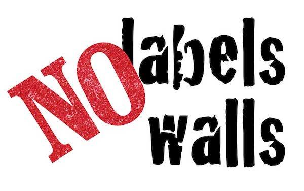 No Labels No Walls teksti valkoisella pohjalla